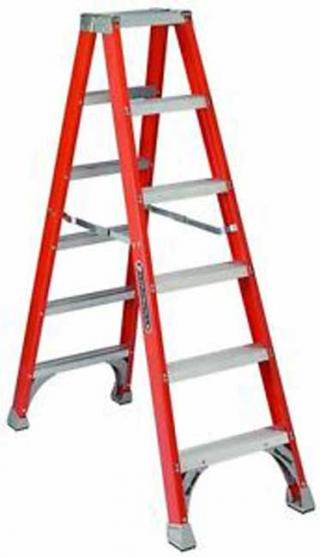 Louisville Fiberglass Twin Front Ladder (FM1506)